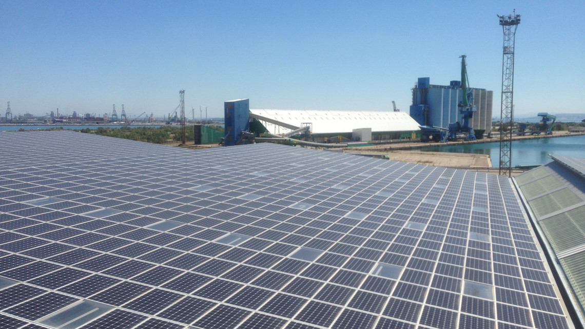 View of solar array at Méditourbe site